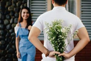 Flowers on first date - good idea or bad? | James Preece